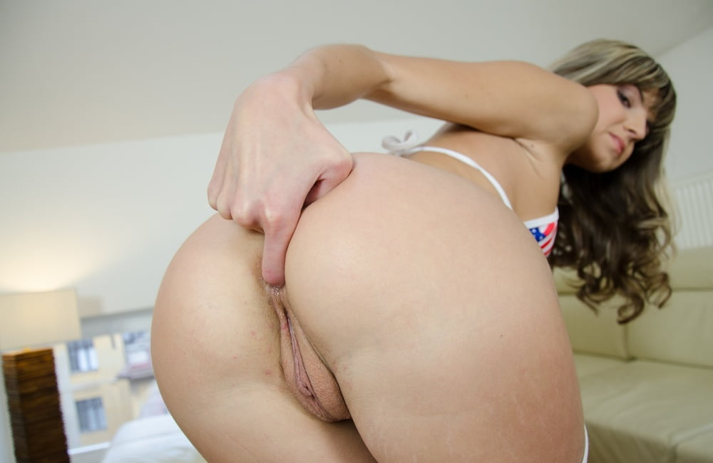 Gina Gerson 4
