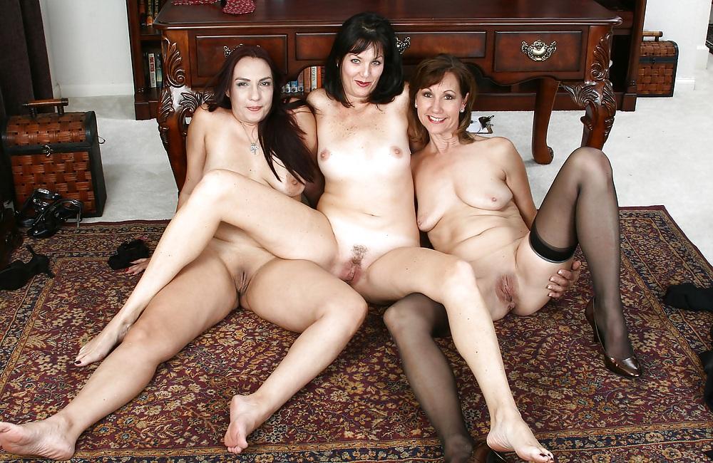 Порно Обнаженные Мамочки