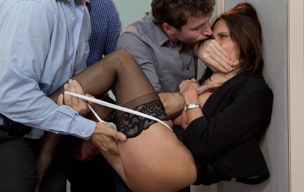 Смотреть Порно Изнасиловал Секретаршу