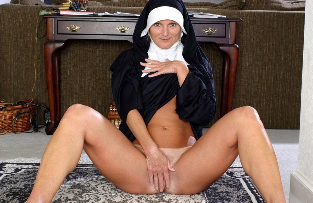 Пизда Голая Монашка