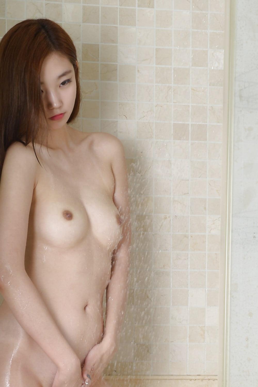Nude Porn Pics Weird insertion pics