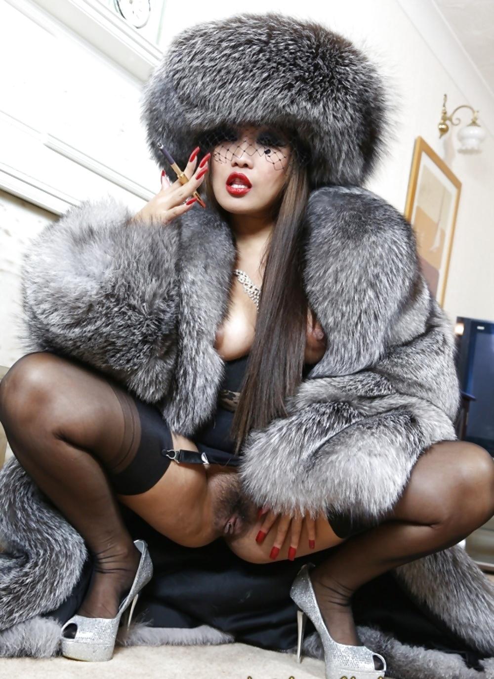 Sexy amateur enjoying her animal rug fur fetish