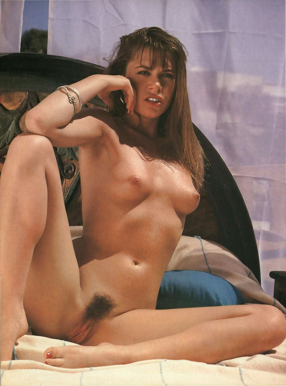 jane-leeves-nude
