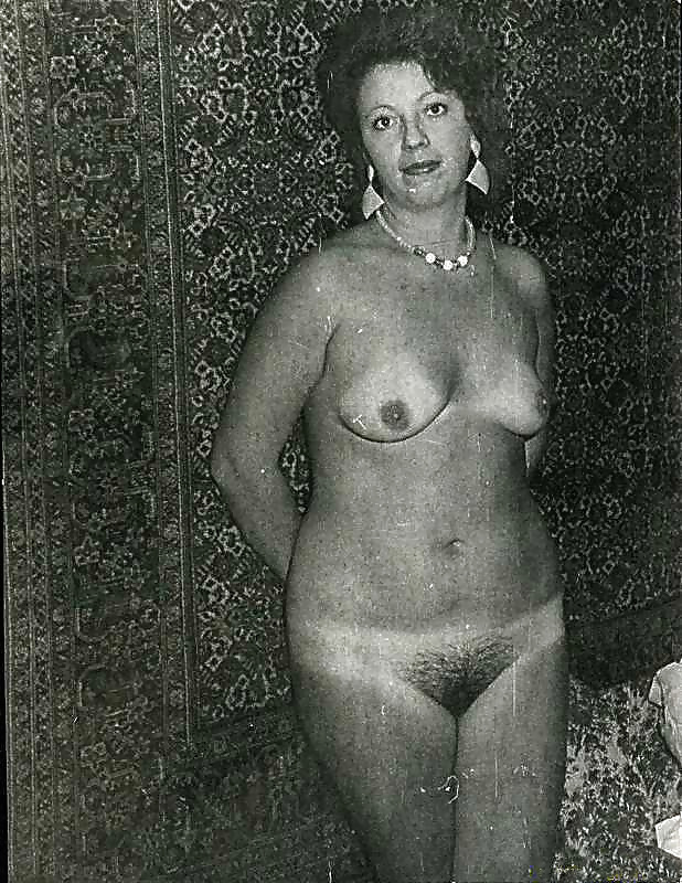 golie-zhenshini-sovetskih-vremen-emo-goti-transseksuali-porno