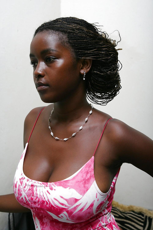 Africanas Tetonas