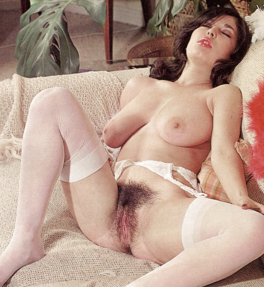 Retro Large Tits Hairy Pussies
