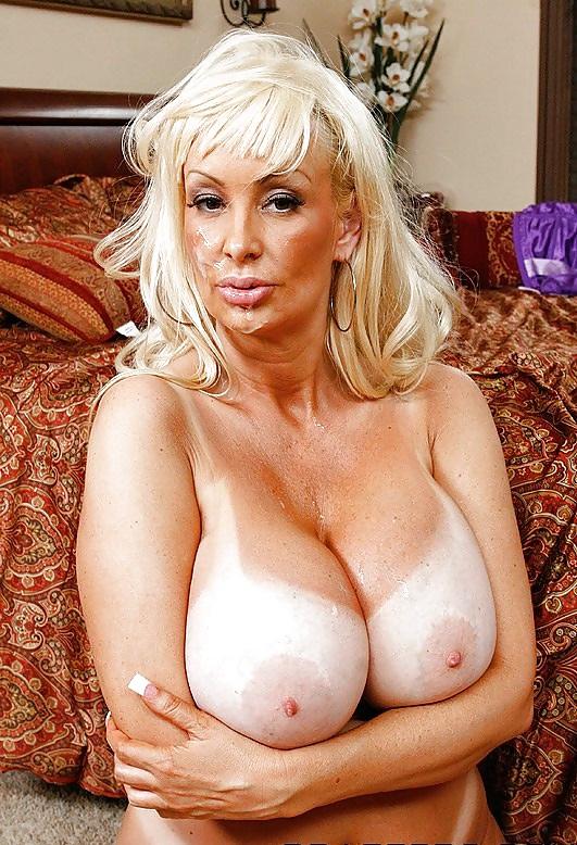 зрелые блондинки с большими сиськами