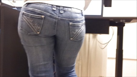 hot sexy big round ass in tight jeans