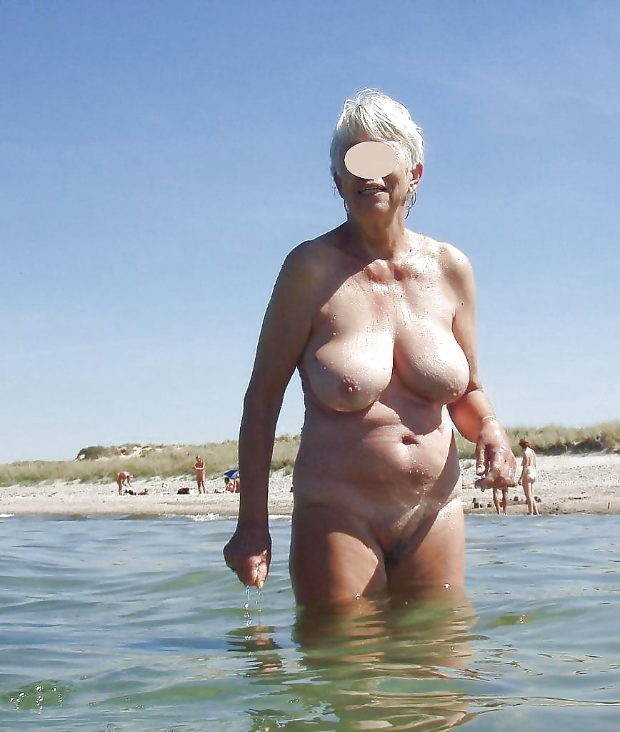 Grannies naked on the beach — photo 9