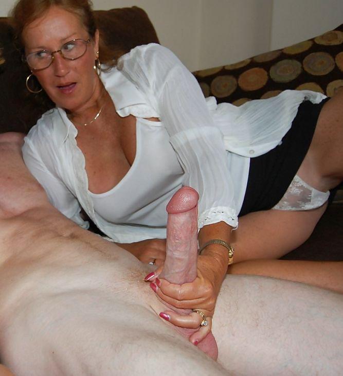 having-sex-handjob-moms-pussy-closeup-fucking