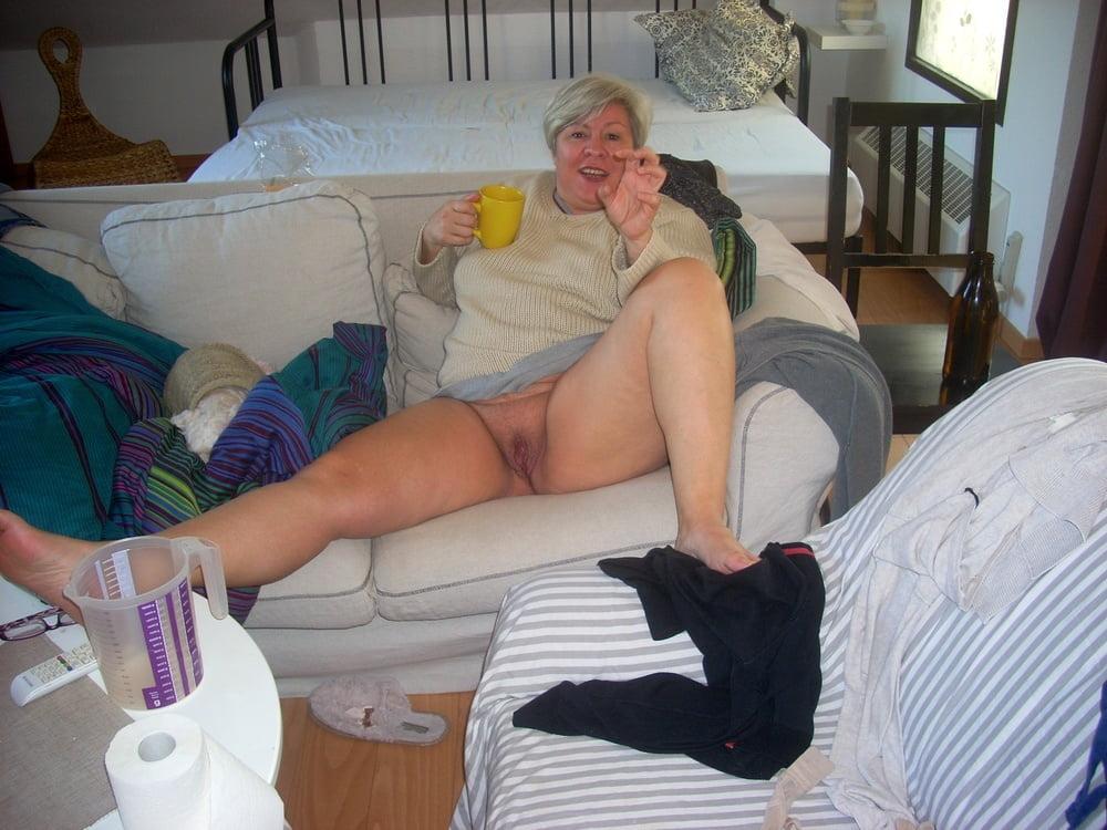 Older and hot 163.(No pants) - 40 Pics