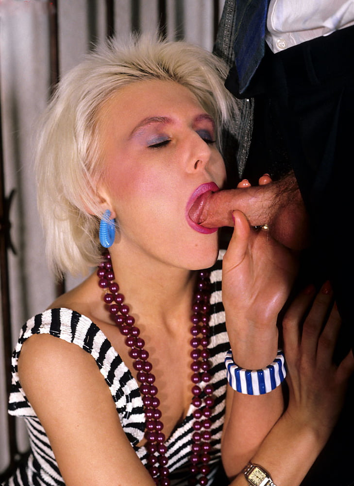 Sexy girl get fucked in all holes