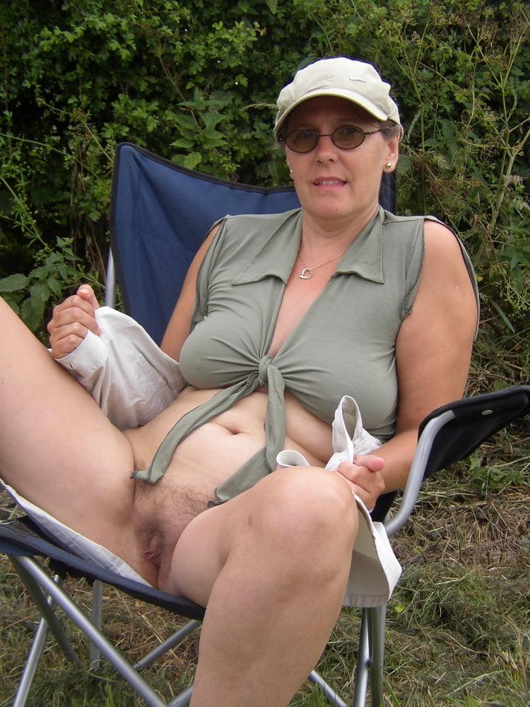 Hairy southern redneck masturbates