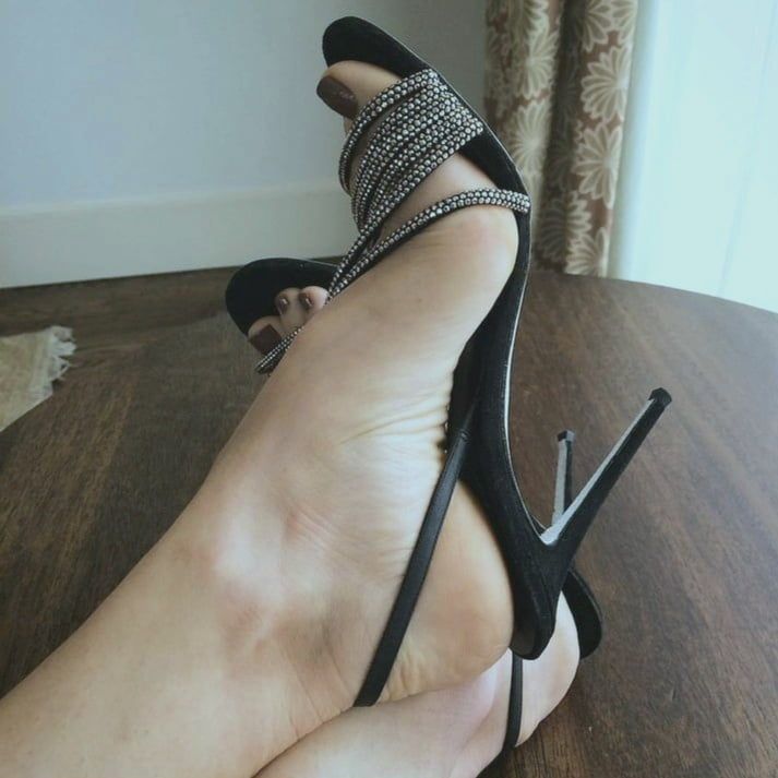 High heels 9 - 109 Pics