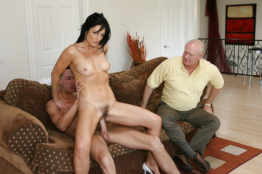 Housewives having sex to pay rent — pic 13