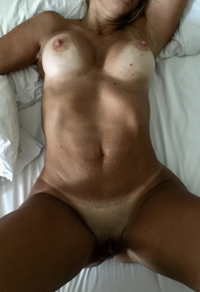 Beautiful Woman - 10 Pics