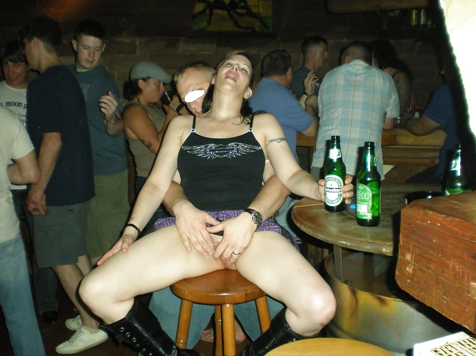 drunk-naked-having-sex-in-public-super-models-masturbating