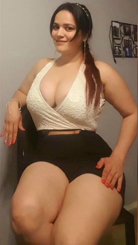 Big curvy amateur girls nude — pic 11
