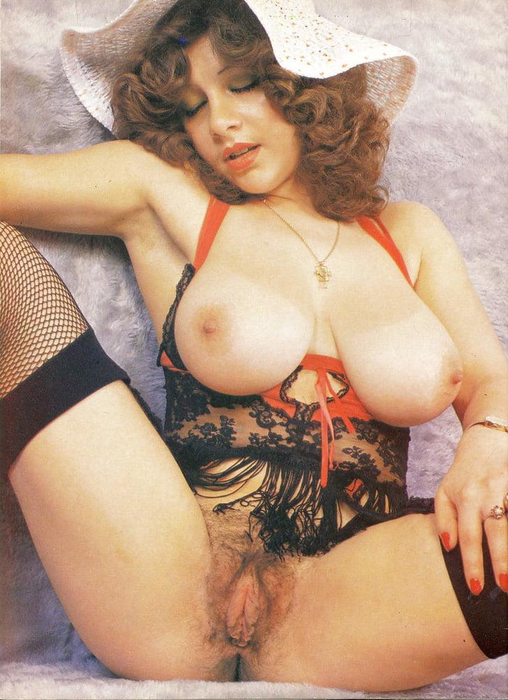 Porn retro big tits-9401