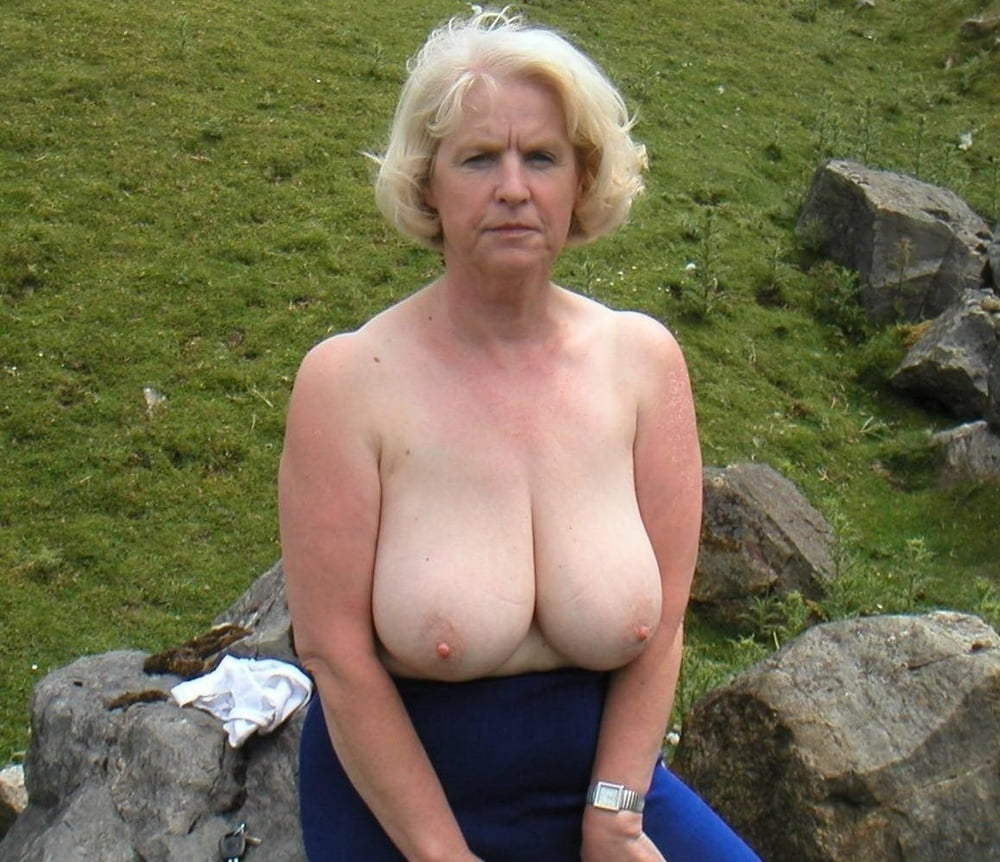 Pussy flash sexy granny huge boobs naked