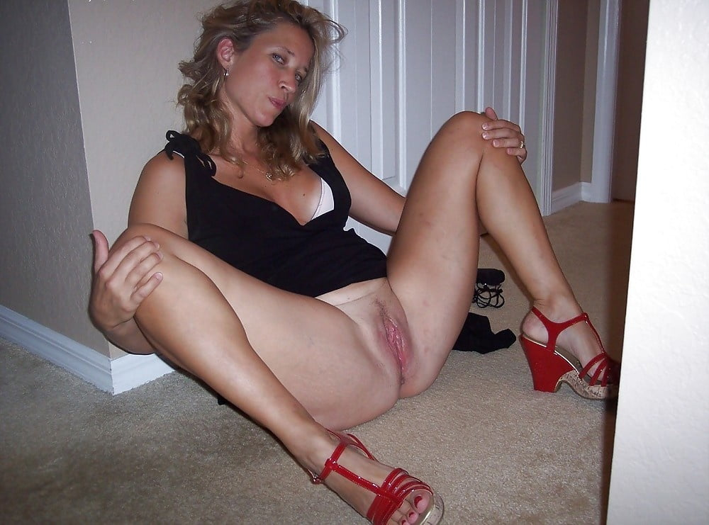 Fucking this hot blonde on the floor-3262
