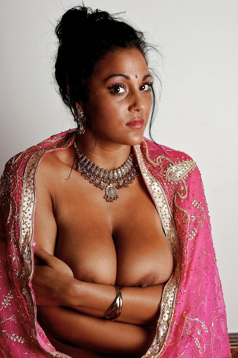 Pictures of naked indian woman — photo 3
