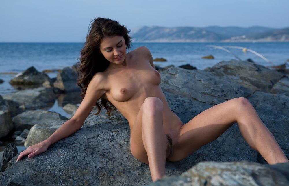 сайта качественные любительские фото кисок на море таким