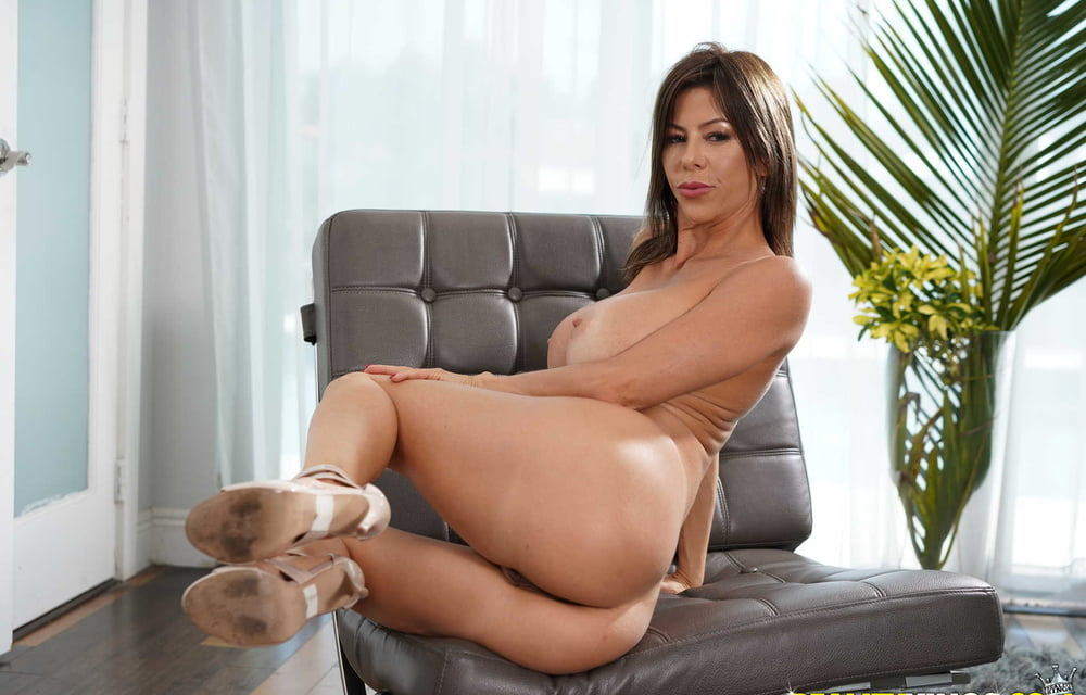 Alexis Fawx 3