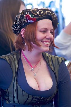 Fair boobs ren