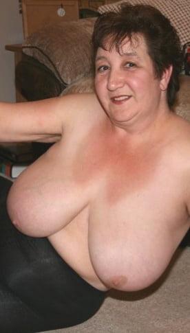 British mature women in stockings-5907