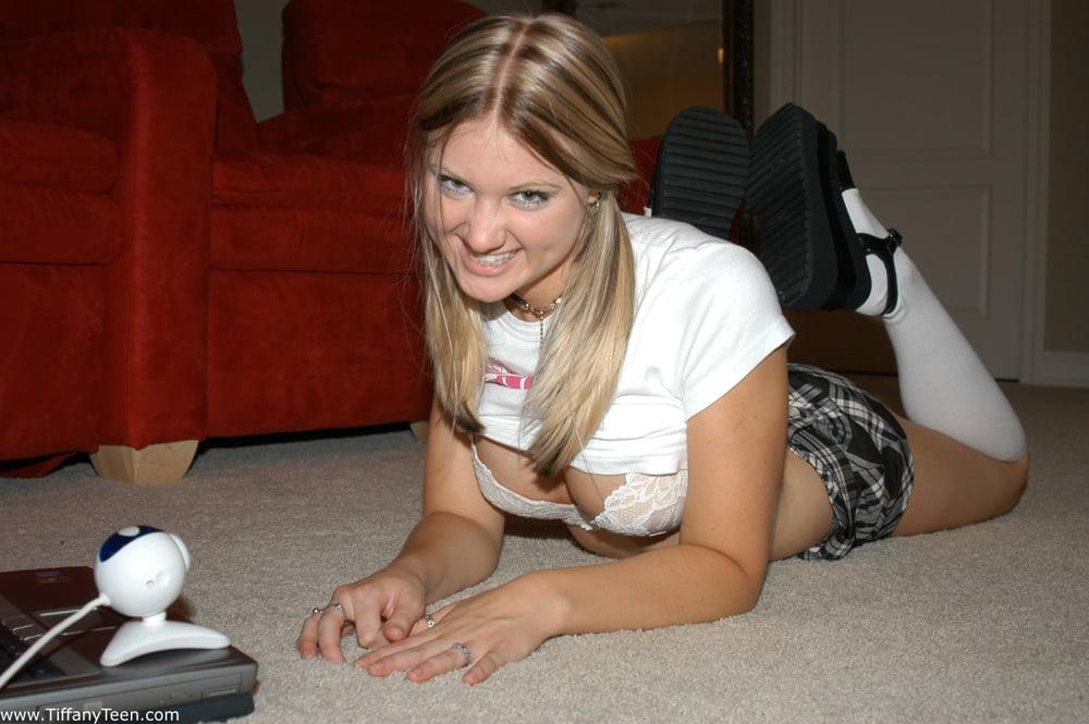 Megan and Friends - 99 Pics