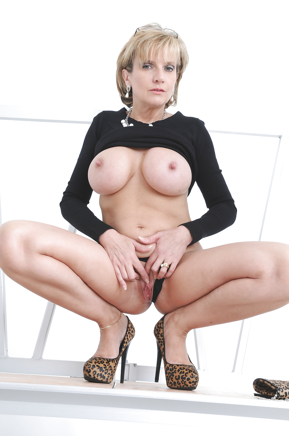 Порно фото леди соня каталог — pic 8