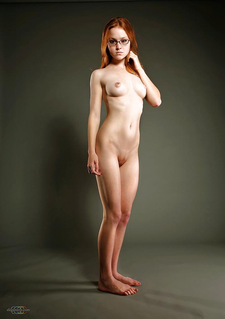 Hot naked women standing — photo 4