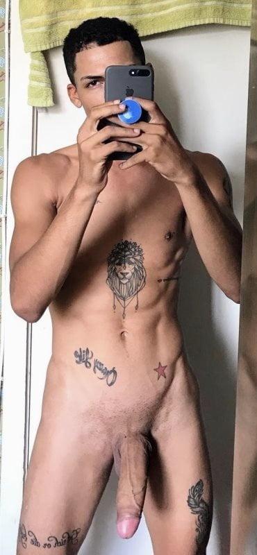 Amateur naked tattooed men