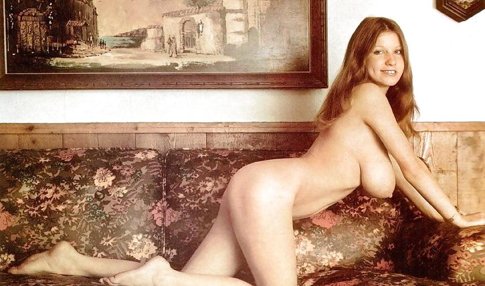 roberta-angelic-naked
