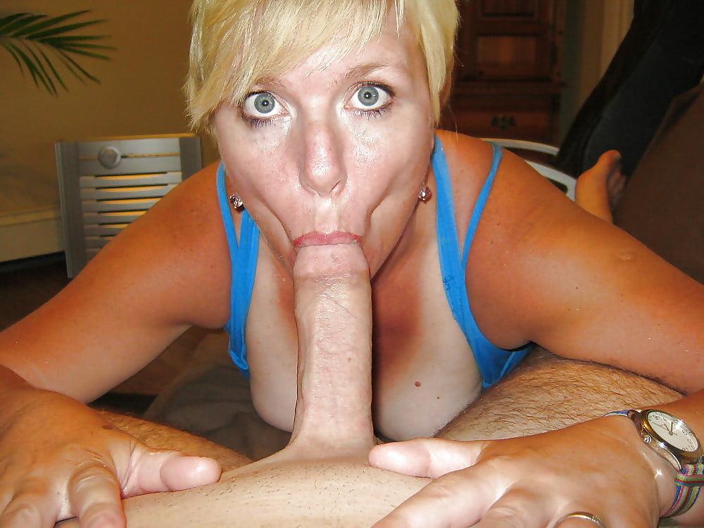 Hot mature milf sucking cocks
