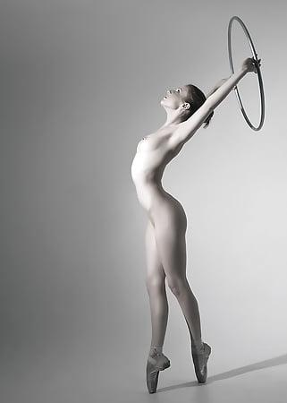 Ballett Naked