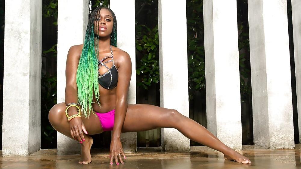 Naomi Wwe Sexy