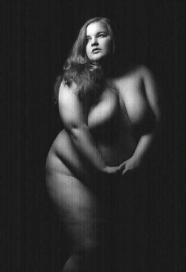Sexy plus size woman nude self pictures