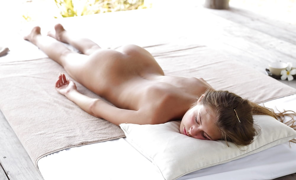 nude-close-prone-naked-woman