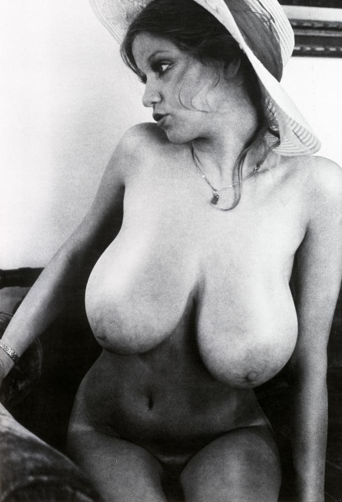 Vintage boobs tube-9553