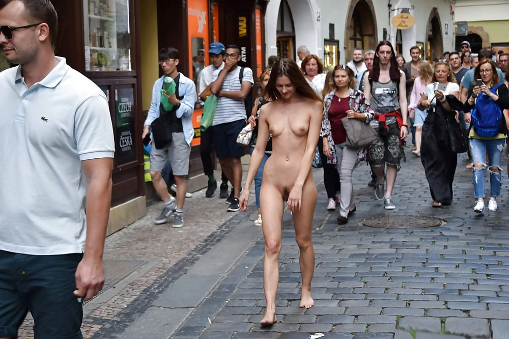 Cartel Paints Victims Like Avengers, Forces Them To Walk Nude On City Streets