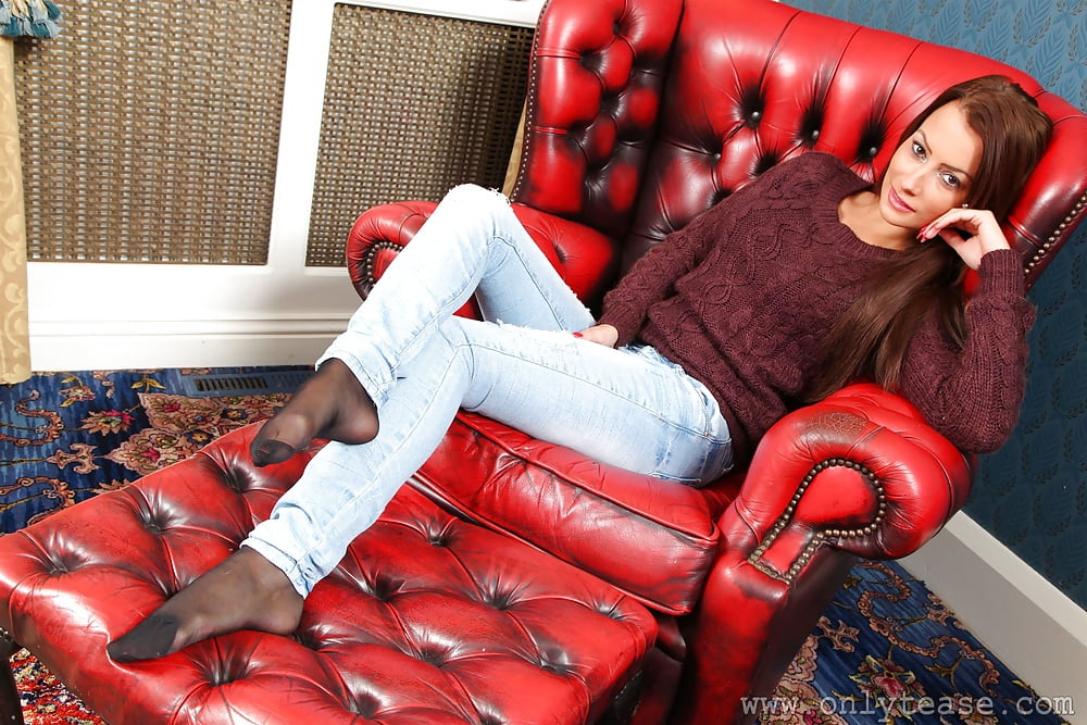 jeans-with-pantyhose