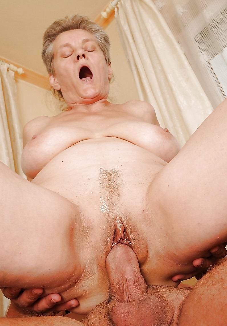 старые бабье порно она повернулась