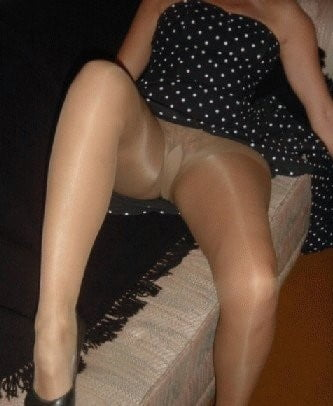 Matures in tan pantyhose 2