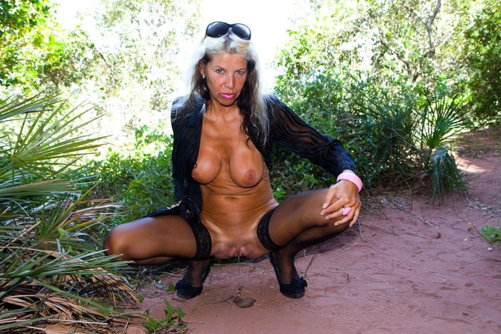 Horny older women near me-9080