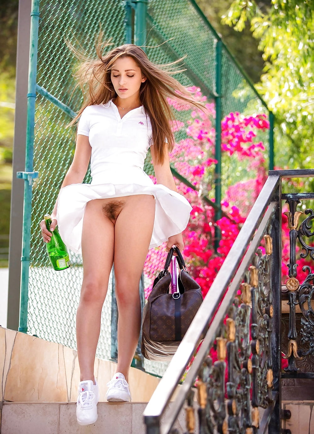 white-glamour-girl-upskirts-incent