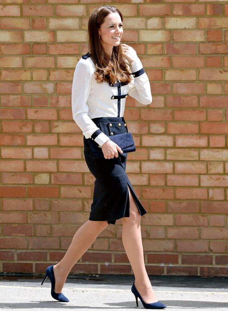 Putes a Black 3 : Kate Middleton Accros aux Enorme Bite Noir