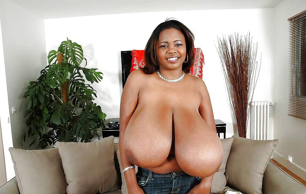 everybody-loves-black-tits