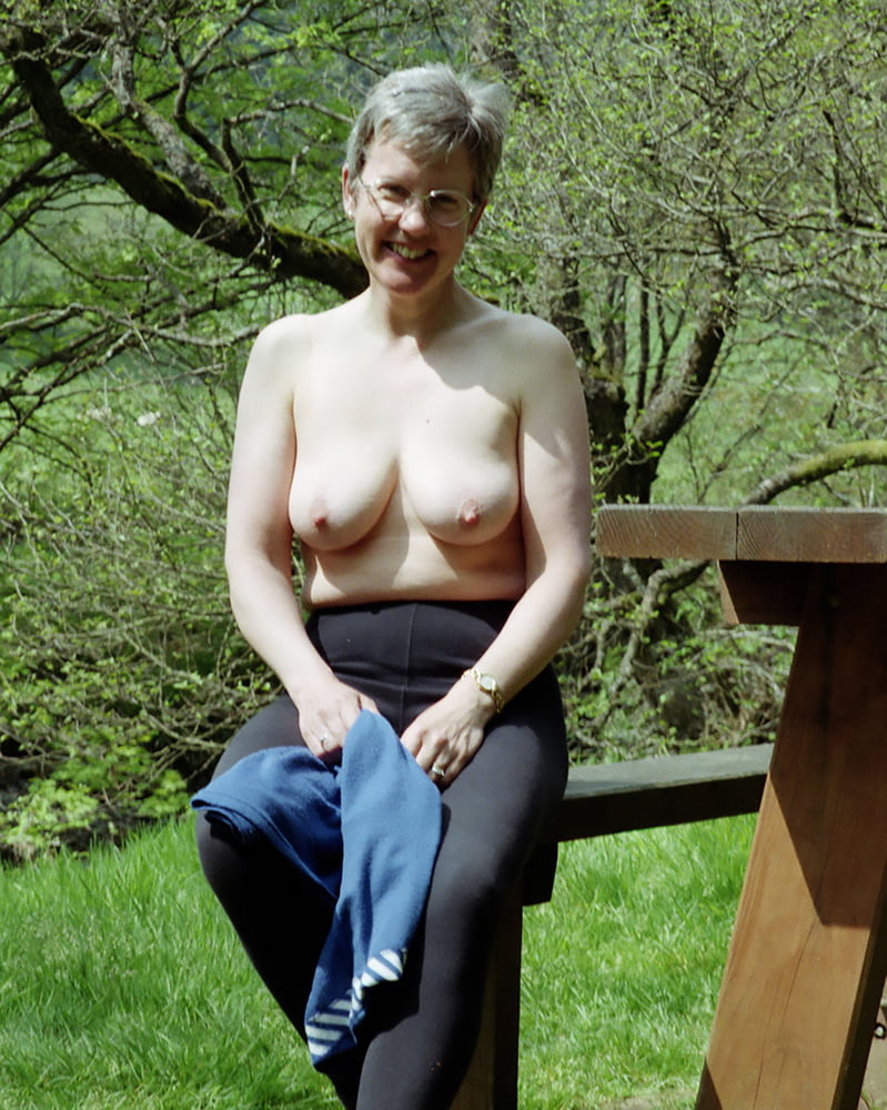 busty-senior-women-amateur
